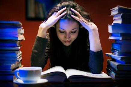 Entenda porque é necessário estudar aBíblia