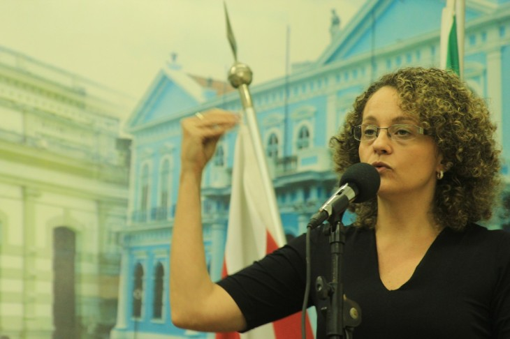 Luciana Genro em discurso
