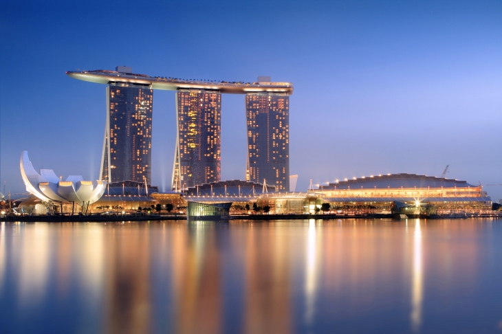 Marina Bay Sands em Singapura, uma Cidade-Estado onde padrões meritocráticos são utilizados até para a escolha de autoridades.
