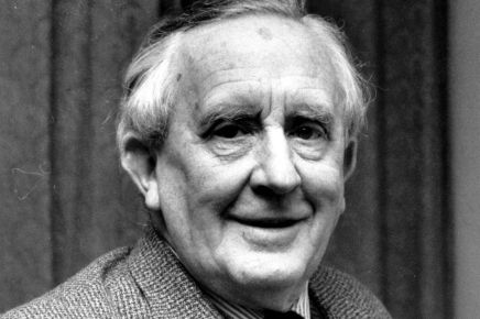 J.R.R. Tolkien, o Mestre do Conto de Fadas paraAdultos