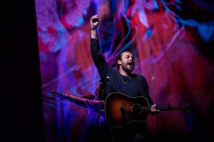 So Will I (100 Billion X) – Hillsong Worship