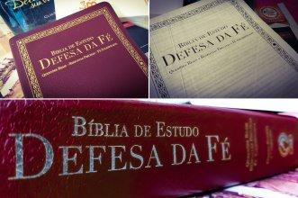 Capas e contracapa da Bíblia de Estudo Defesa da Fé.